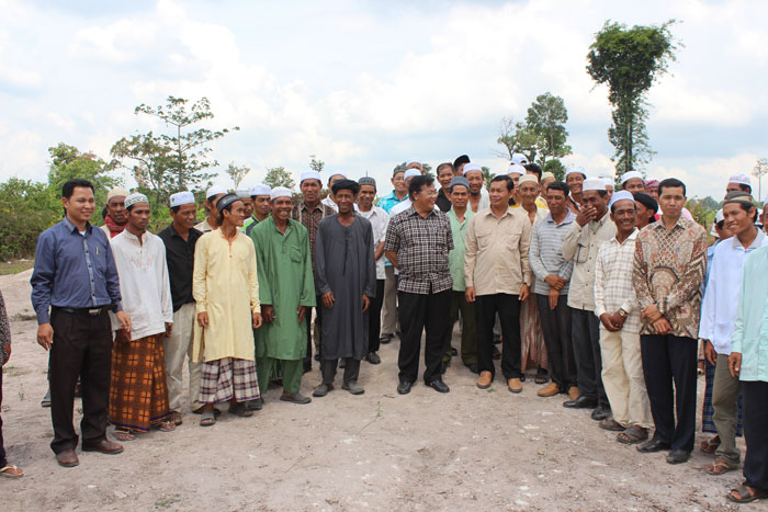 H.E Othsman Hassan Visit Mosque Construction Located in Boeng Lavea Commune, Kampong Thom Province